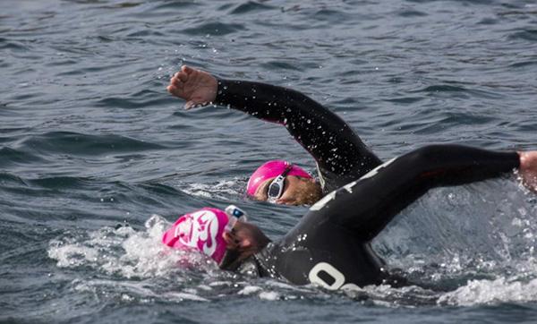 VIII edición de la travesía a nado Sisargas-Malpica nadadores