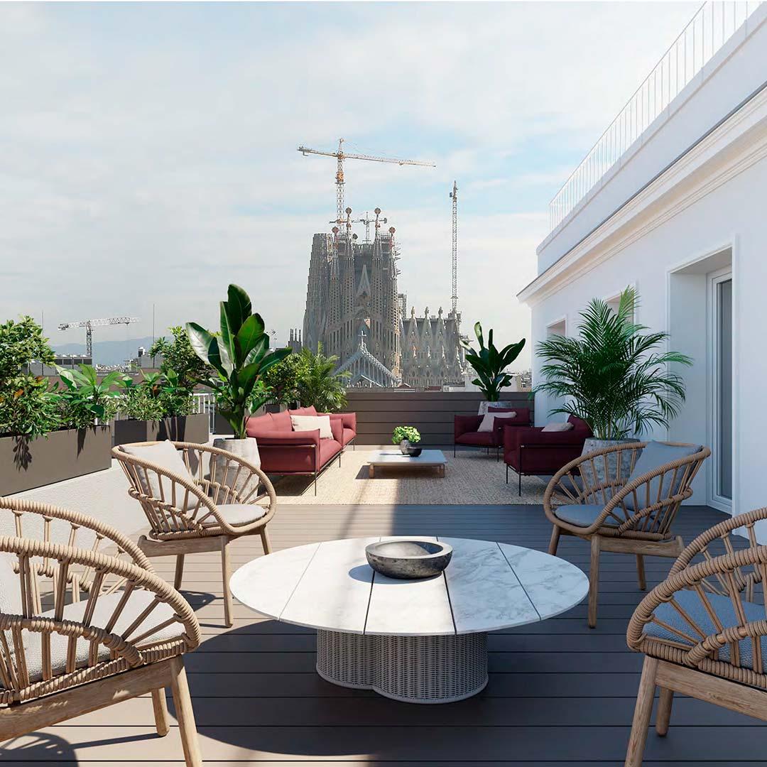 La terraza con vistas a la Sagrada Familia es el gran atractivo del ático