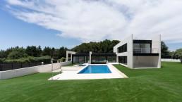 La casa cubo conecta de forma ejemplar con su entorno